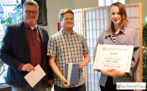 Der Veranstalter Dr. Lutz Kreutzer, Sponorenvertreter Daniel Seebacher und die Siegerin Marieke Homann